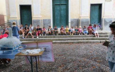 Inizia l'anno scolastico: benedizione degli zainetti e del materiale scolastico per i bambini di Villa Viani