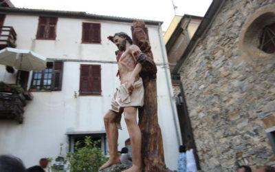 Borgo Barnati di Villa Viani in festa: San Bartolomeo portato a spalla per le vie del rione